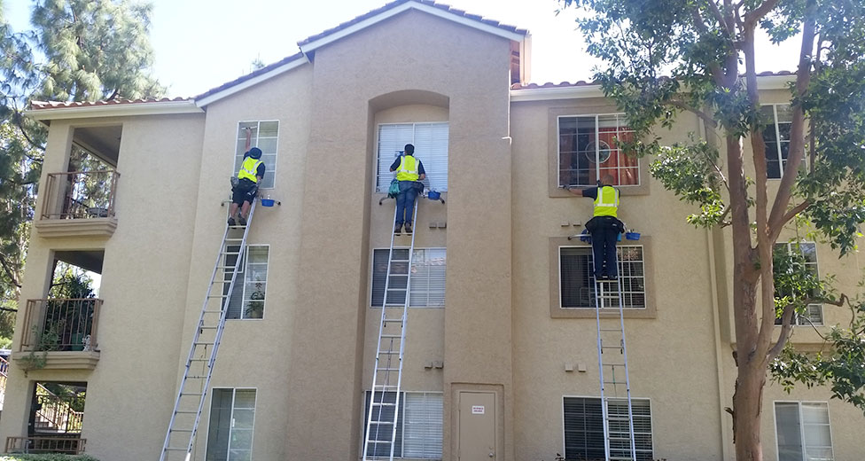 HOA & Apartment Building Window Cleaning in San Diego